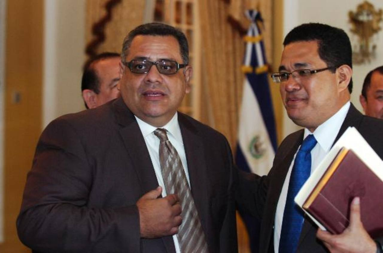 El Diario de Hoy llamó a Rivas, pero no contestó su celular.