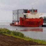 Un retraso de seis meses en la apertura de una ampliación del canal, prevista ahora para mediados del 2015, ha ocasionado que algunas compañías navieras -incluyendo a Maersk Line, la mayor transportadora de contenedores del mundo- opten por rutas alt