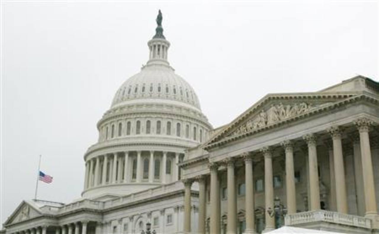 EEUU, cerca de paralización tras desafío republicano a financiación de Obama