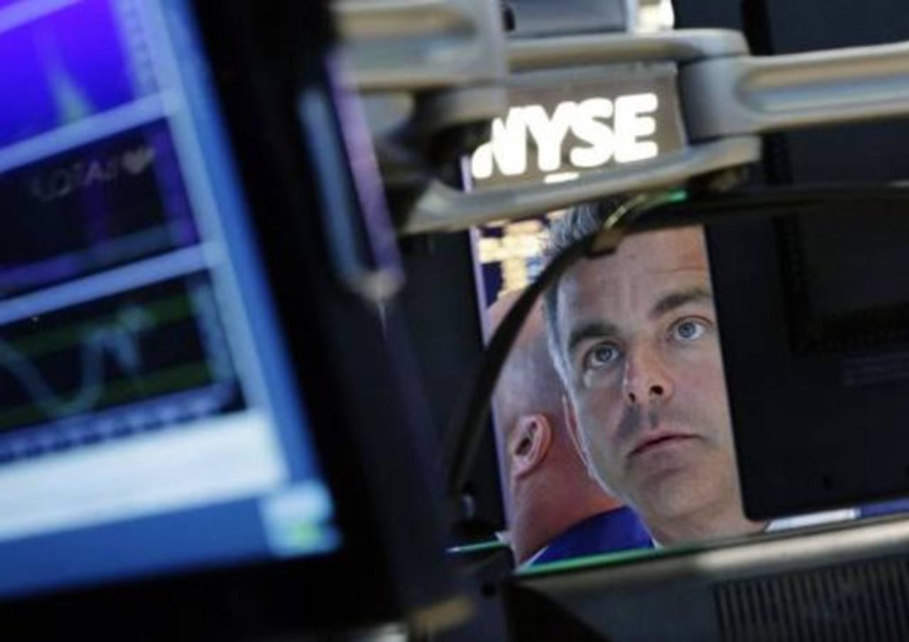 Wall Street en baja por crisis en Congreso de EEUU