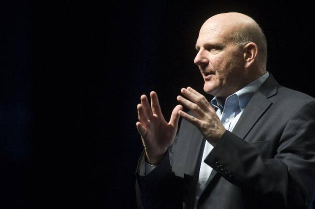 Steve Ballmer dijo adiós ante la ovación de los aproximadamente 13,000 empleados en pie que acudieron a la despedida.