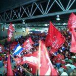 Militantes durante la convención nacional del FMLN en el CIFCO. Foto vía Twitter @ottohdez1975
