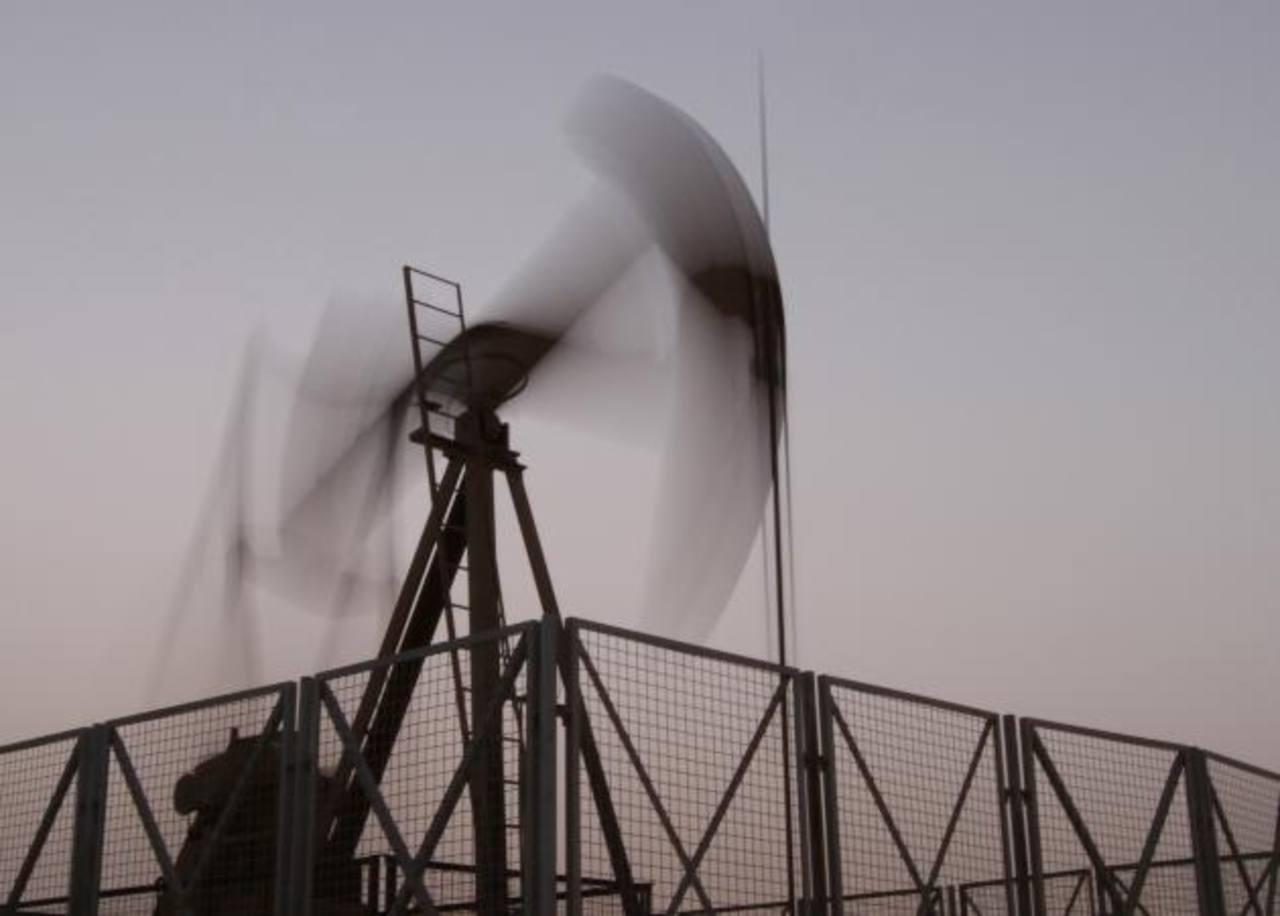 Los futuros del petróleo en Londres y Nueva York cayeron más de $2 por barril.