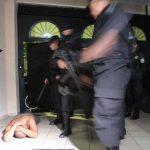 Carlos Castaneda, alias El Perico, fue arrestado en su casa, en una residencial de la colonia Escalón. Foto EDH / CORTESÍA PNC
