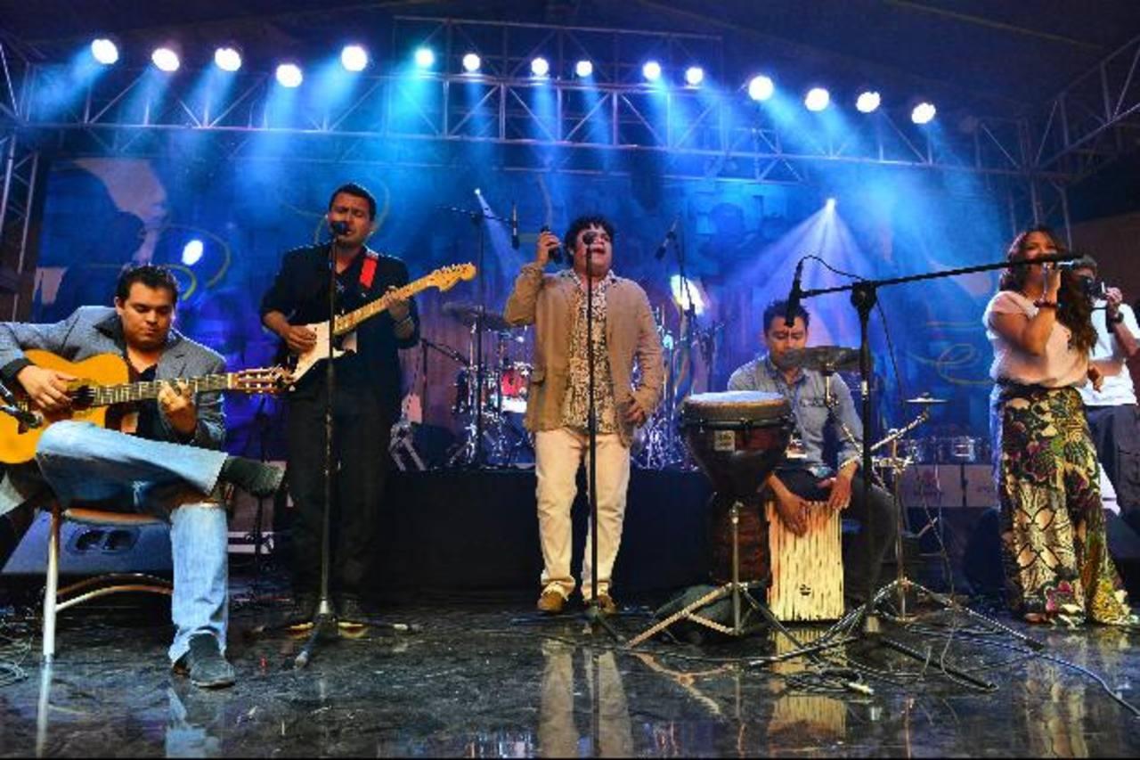 El grupo Alma Flamenca durante su presentación en el II Festiva de Jazz. Fotos EDH/César AvilésLos músicos deleitaron al público con sus interpretaciones.