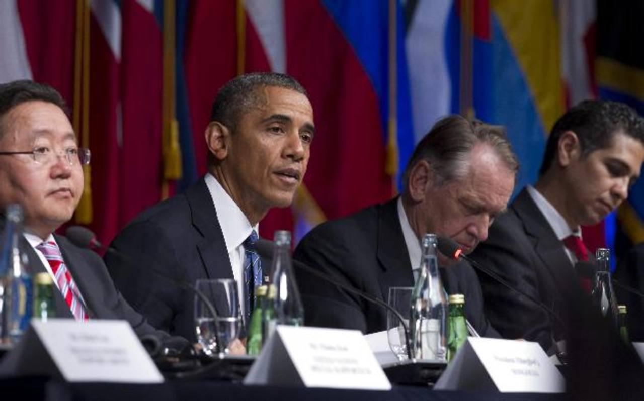 El presidente de Estados Unidos Barack Obama (2-i) habla en el evento de la Sociedad Civil Internacional ayer, en Nueva York. foto edh / efe