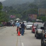 Una pareja de novios fue atacada a balazos sobre la Autopista Los Chorros. Foto/ Ericka Chávez