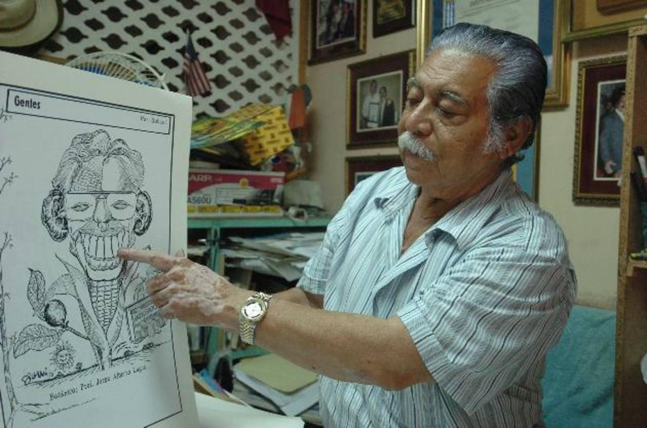 """El salvadoreño José Armando Bonilla, de seudónimo """"Bollani"""", muestra parte de su trabajo artístico. Foto EDH / archivo"""