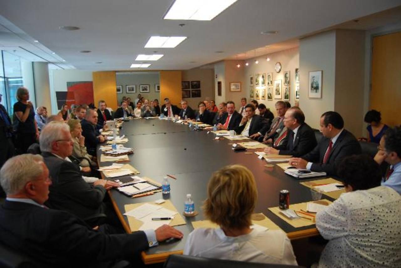Empresarios salvadoreños y funcionarios en una de las visitas a Washington, EE. UU. foto EDH / archivo