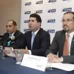Ejecutivos de la Aseguradora Vivir informan sobre resultados de la empresa. foto edh/ cortesía