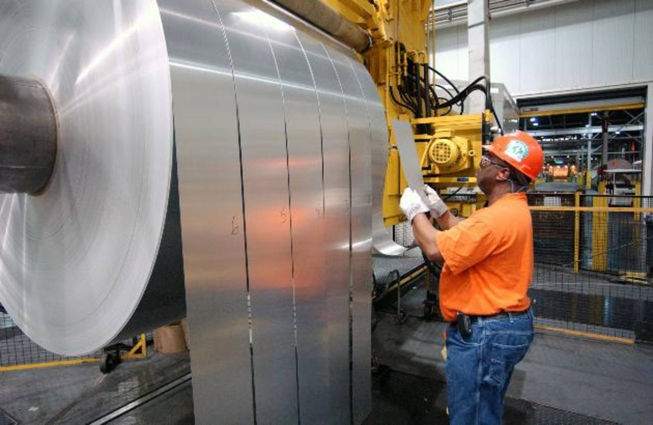 La manufactura e industria son sectores vitales en la economía.