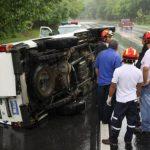 Así quedó la ambulancia. FOTO EDH Cortesía Cruz Roja Salvadoreña.