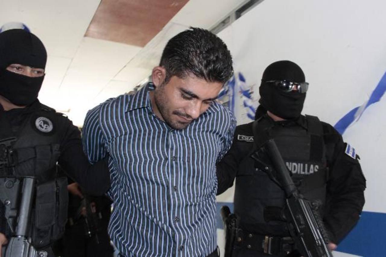 Francisco Melgar Cabrera, de 30 años, fue detenido ayer en Sonsonate, cuando viajaba en el interior de un autobús. Es requerido por una Corte Federal de Estados Unidos. Foto EDH / Cortesía PNC