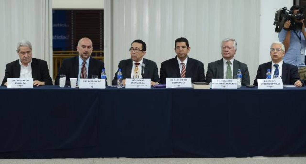 Raúl Ávila, de México; Carlos Quintanilla, Luis Mario Rodríguez y Augusto Hernández, de Colombia. Foto EDH/mauricio cáceres