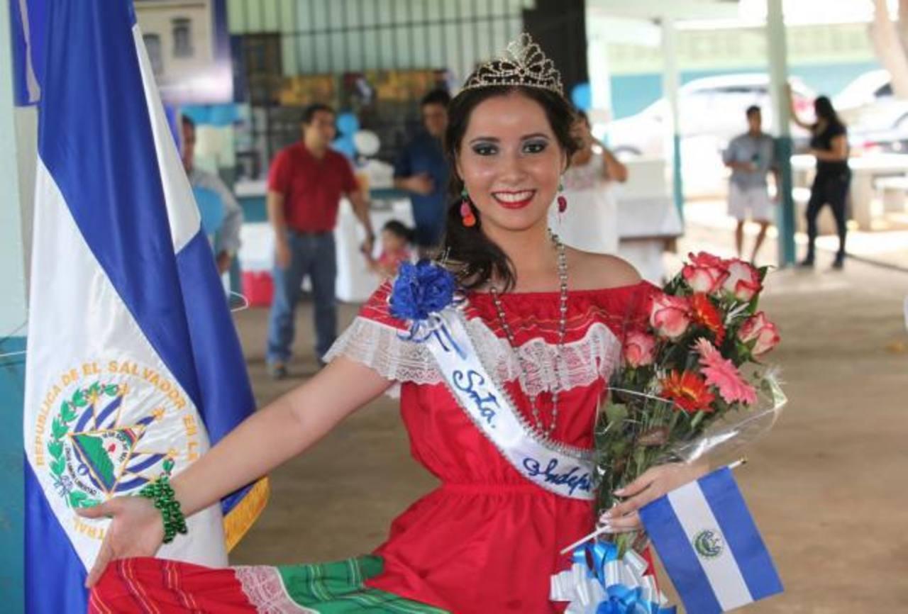 El Salvador tiene Reina de la Independencia en Panamá