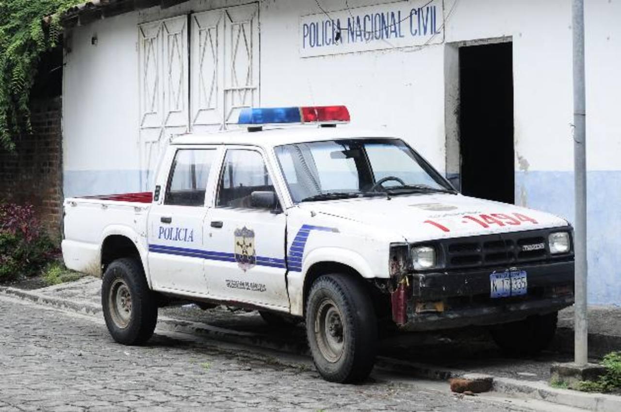 El carro patrulla asignado al puesto policial del municipio de San Carlos, en Morazán.