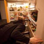 Cambia a hija de 11 años por refrigeradora