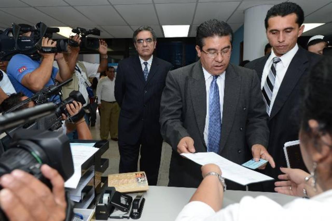 A la demanda de David Gutiérrez se sumará la que hará hoy Antonio Saca. Foto EDH / M. Cáceres
