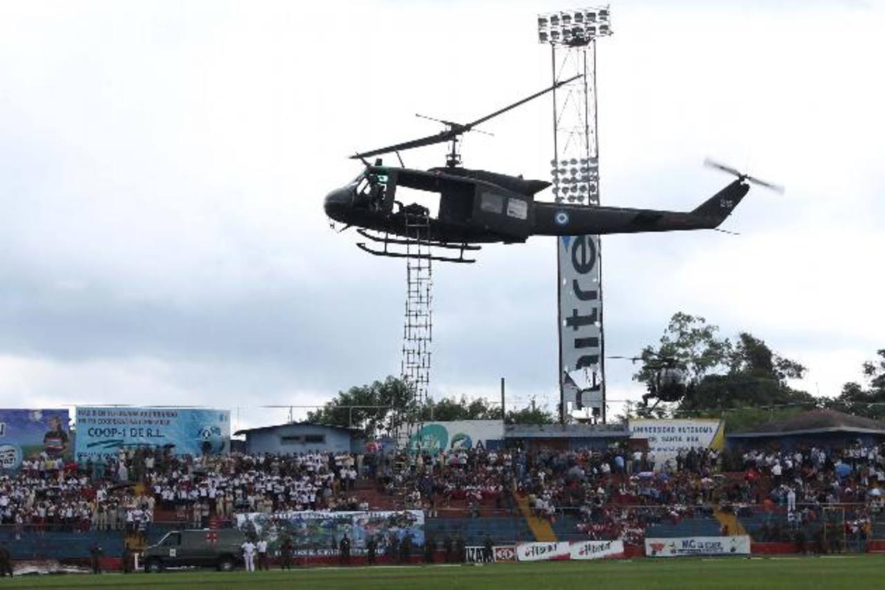 Las demostraciones realizadas en el estadio Óscar Quiteño fueron aplaudidas por los asistentes foto EDH / Mauricio Guevara