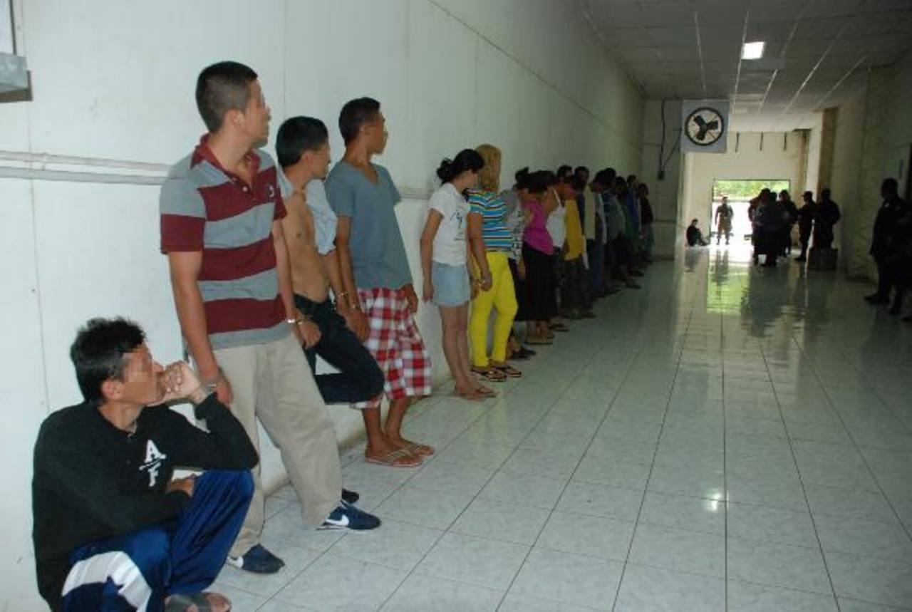 Detenidos por extorsión en el departamento en San Miguel. Extorsionaban a comerciantes. Foto EDH / Lucinda Quintanilla