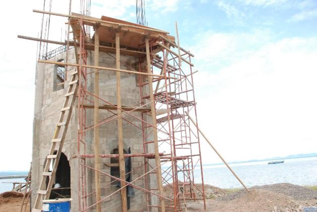 Las obras en el mirador tienen un 62 por ciento de avance, según la municipalidad de La Unión. Foto EDH / insy mendoza