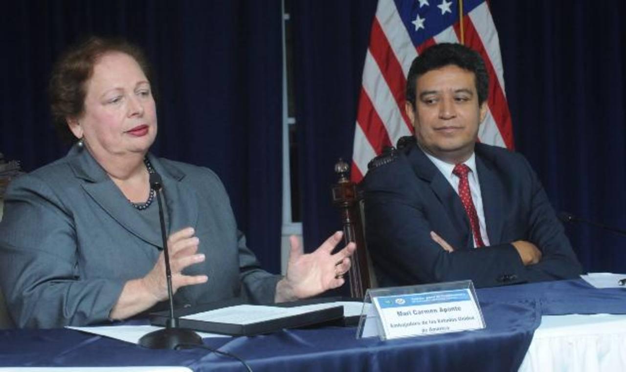 Embajadora Mari Carmen Aponte, ayer en conferencia en Casa Presidencial. Foto EDH /Lisette Monterrosa