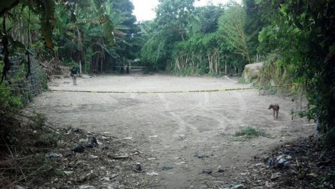 El ataque armado fue perpetrado en una cancha del cantón Buenos Aires del municipio de San Pedro Perulapán, Cuscatlán. Foto Diana Escalante