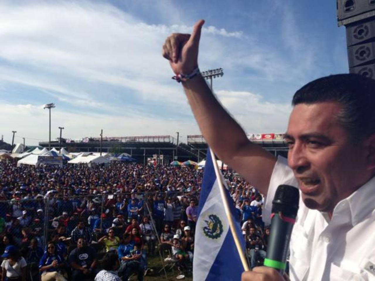 El compañero de fórmula de Quijano celebró la independencia con connacionales en Festival de Maryland. foto edh / cortesía