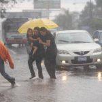 Depresión tropical se aleja de El Salvador