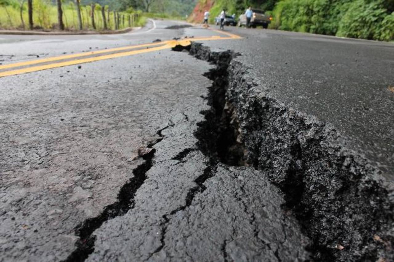 La reparación de este tramo está garantizado, pero tardará varios meses, según el MOP. Foto edh / Cortesía alcaldía de Sensuntepeque