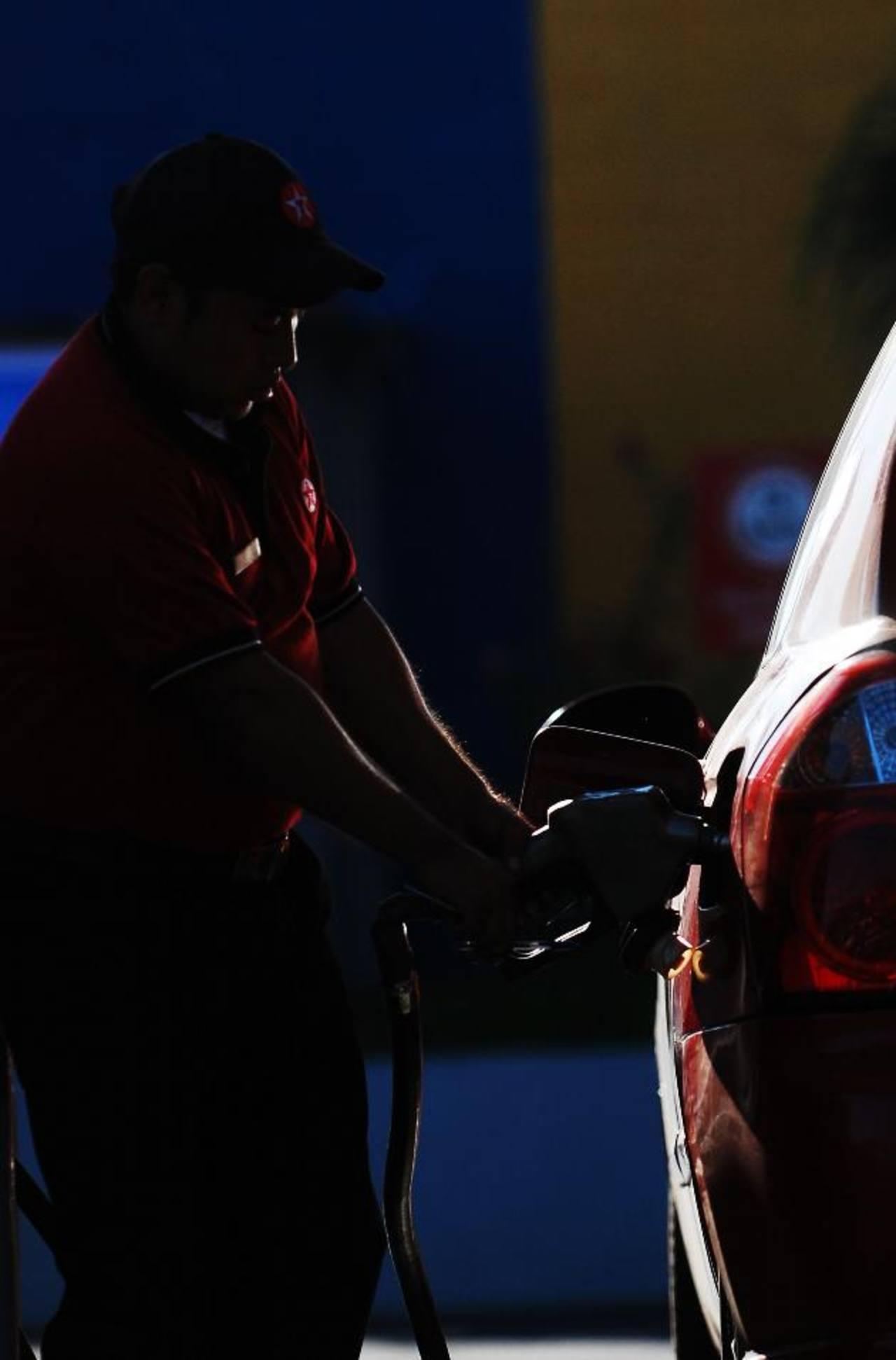 Las gasolinas regular y especial no tendrán incrementos de precio. foto edh / Archivo