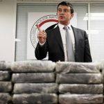 Manuel Valls, ministro de Interior de Francia, explicando a la prensa las investigaciones del hallazgo