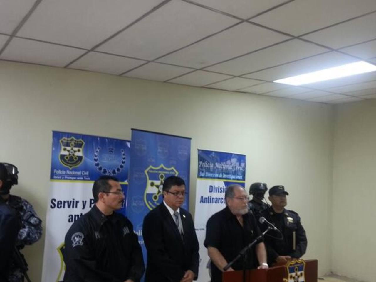Las autoridades de Seguridad Pública y de la PNC revelaron otra captura por el caso ésta mañana. FOTO EDH PNC.