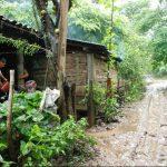 En Chilanguera, San Miguel, tres viviendas fueron anegadas tras el desbordamiento del río Chilanguera. Protección Civil aseguró que no fue necesario evacuar. Foto EDH /Lucinda Quintanilla
