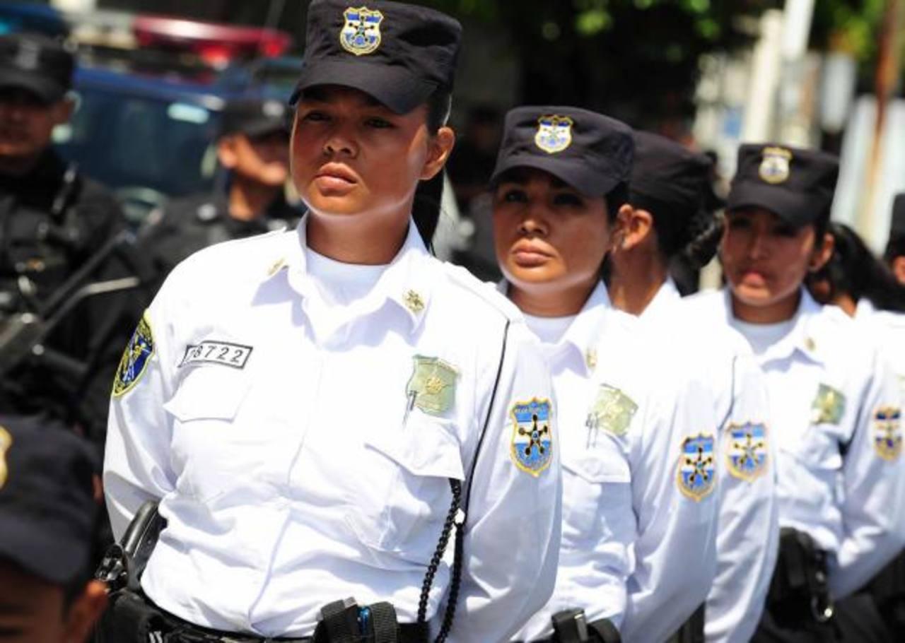 Funes reforma la ley orgánica de la Policía