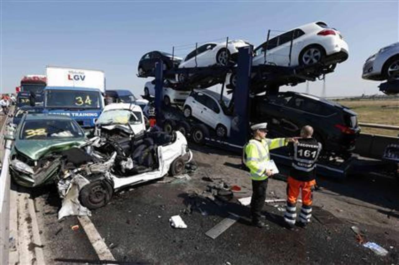 Enorme choque de más de 100 autos en Londres