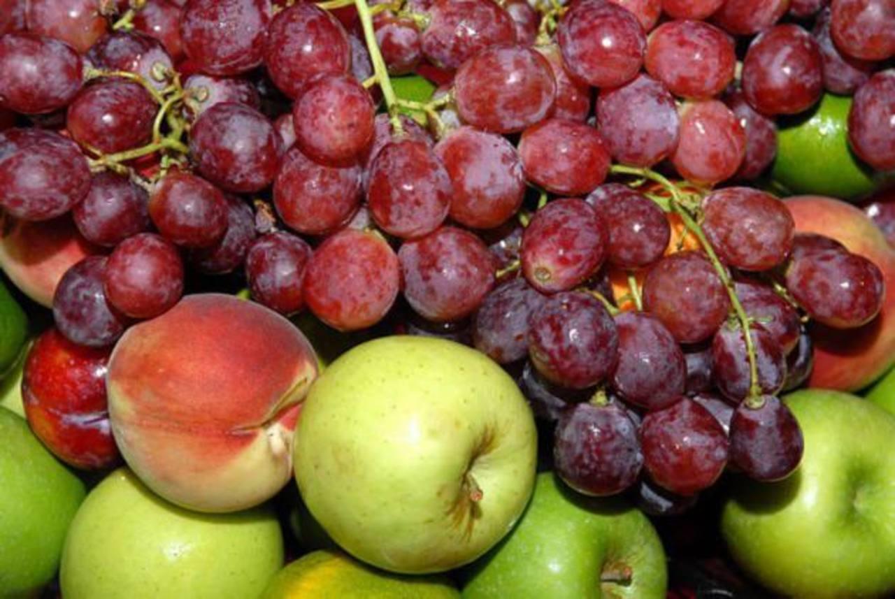 Recomiendan consumir las frutas enteras. Foto EDH