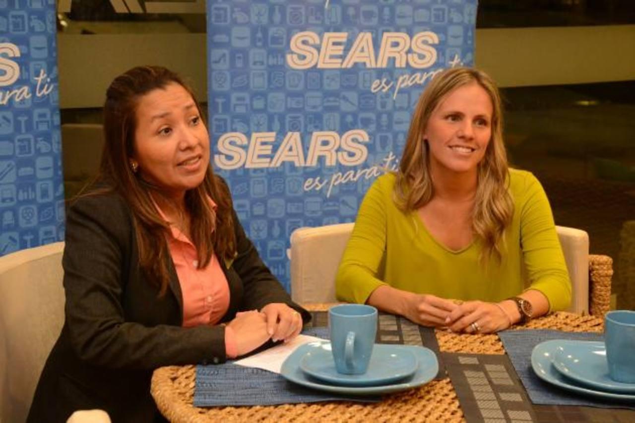 Representantes de Sears y W&S detallaron las bondades de los nuevos productos. FOTO EDH / David Rezzio