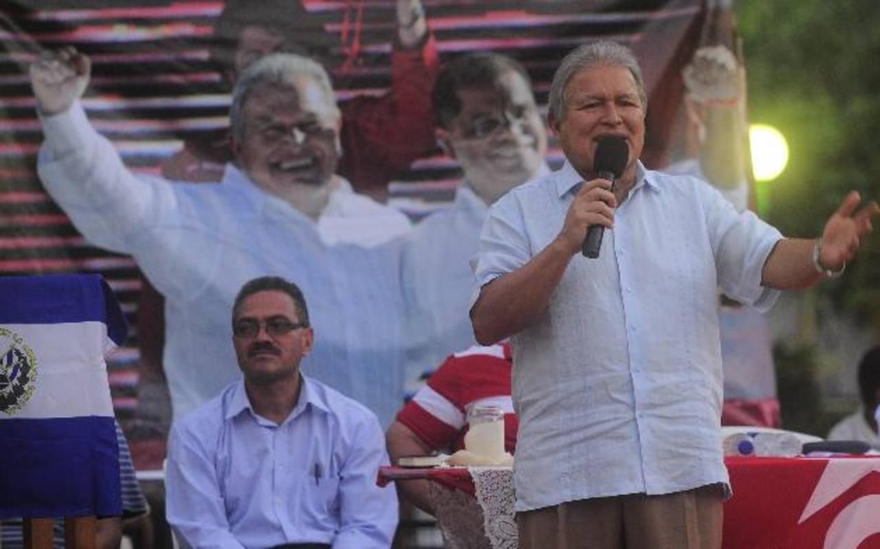 Delegados del FMLN en la convención nacional pasada donde aprobaron el programa de gobierno 2014. foto edh / archivo