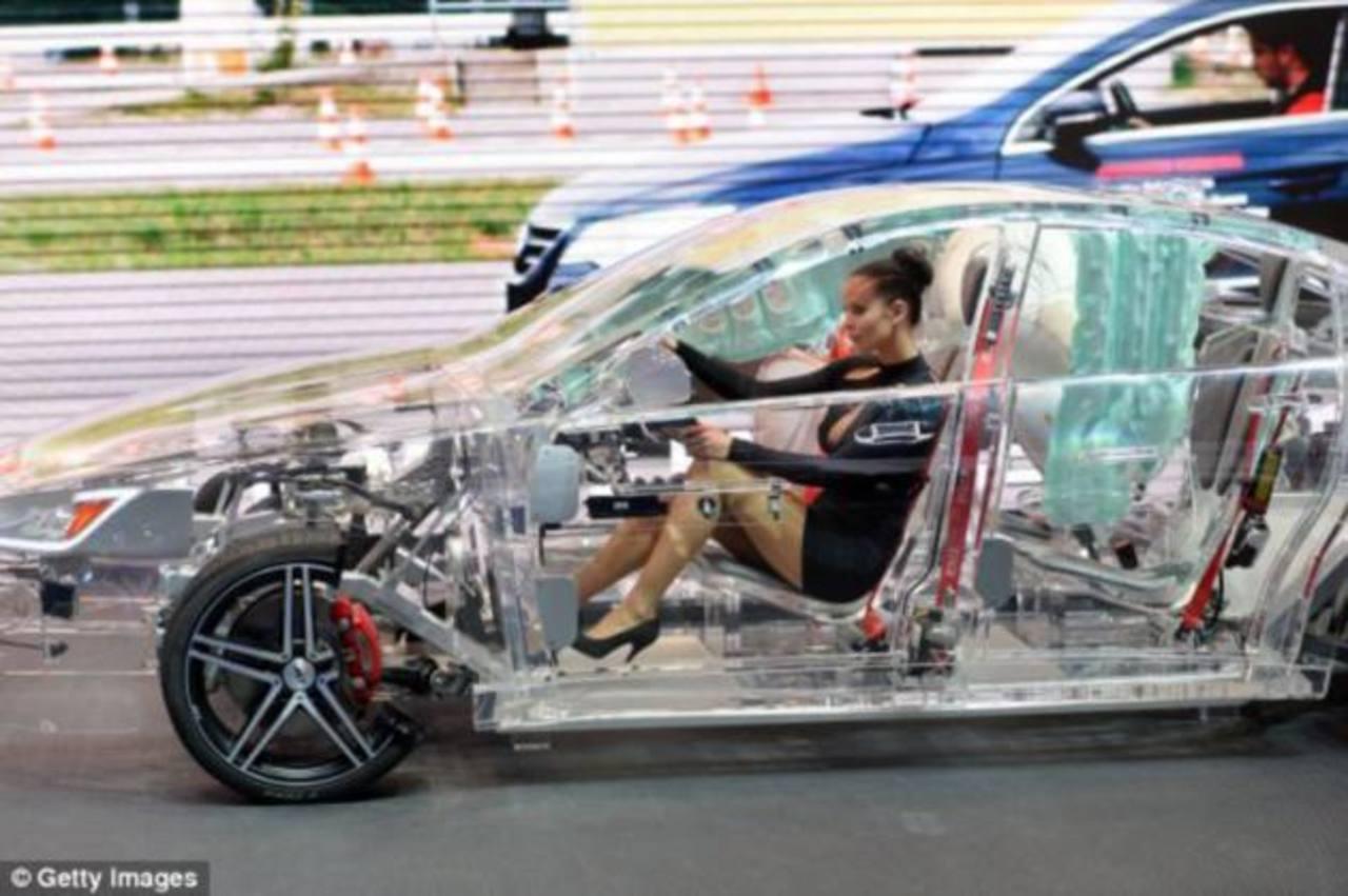 Fabrican auto transparente para demostrar sistema de seguridad ...