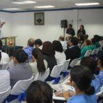 En el conversatorio en la Universidad Andrés Bello también participaron diputados y líderes de ARENA. Foto EDH