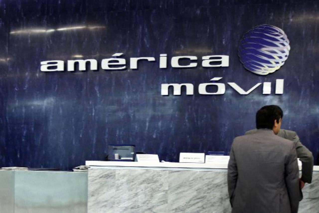 América Móvil tiene unos 22 millones de suscriptores de telefonía celular en Centroamérica y el Caribe.