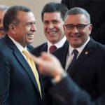 Tanto El Salvador como Honduras exigen la pertenencia de la Isla Conejo. Porfirio Lobo dice que Mauricio Funes solo busca que Asamblea apruebe compra de aviones.. FOTO AP