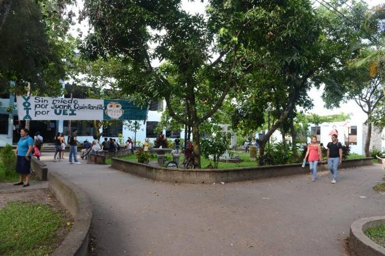 La Universidad de El Salvador ya no tiene fondos para pagar los salarios de sus cuatro mil empleados de noviembre y diciembre. Foto EDH / archivo