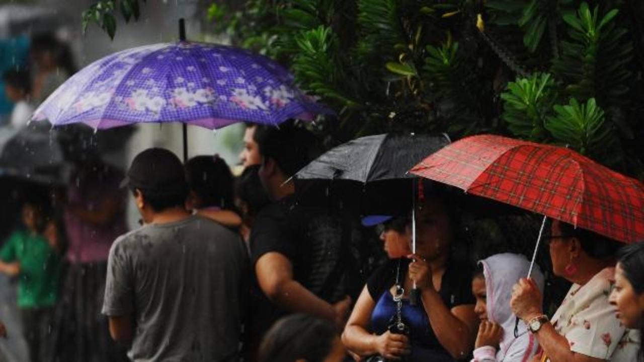 Lluvias de moderada a fuerte intensidad estarían siendo generadas por la influencia de una onda tropical. Foto/ Archivo