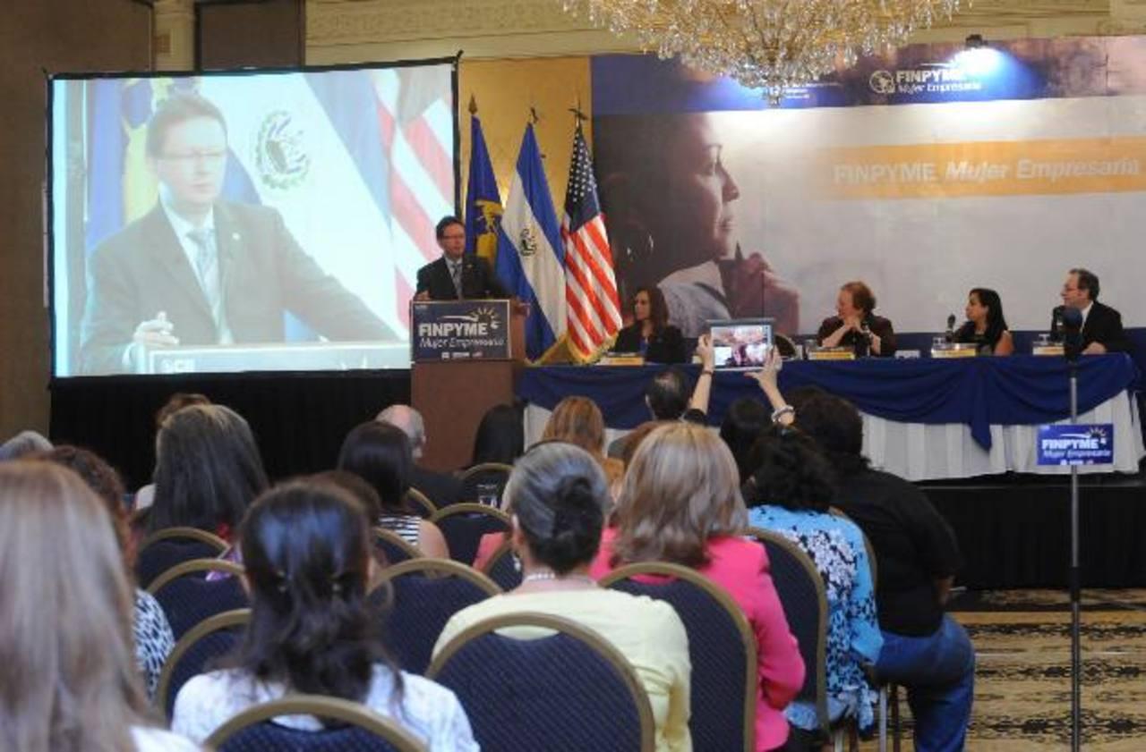 Finpyme Mujeres Empresarias unirá esfuerzos del gobierno de EE.UU., CII y Fundes. Fotos EDH /lissette monterrosa