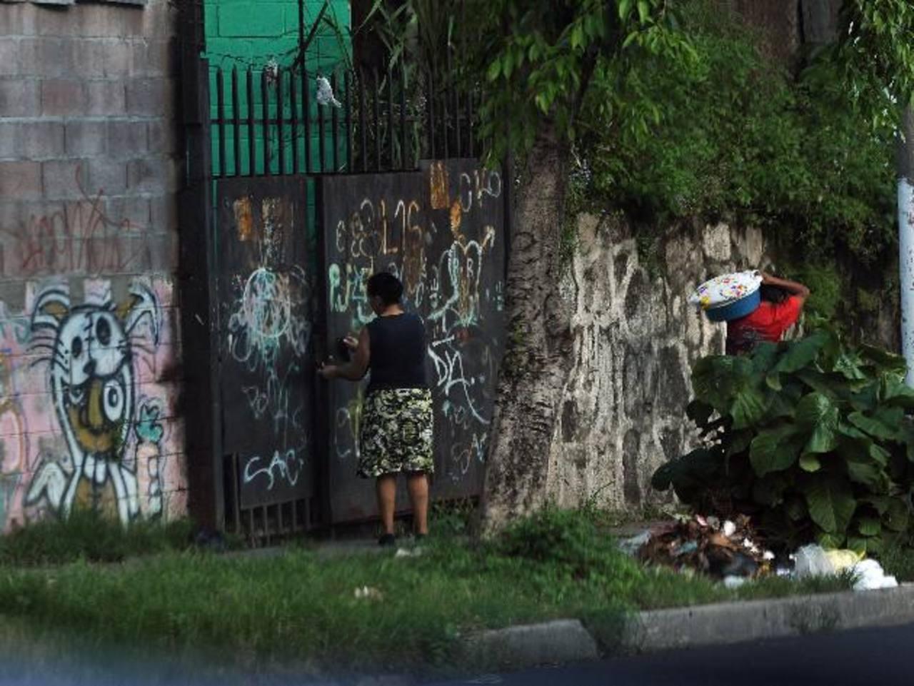 Huyen 70 familias de comunidad Raúl Rivas