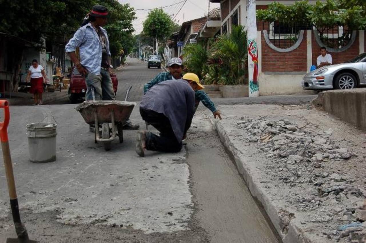 Las calles estaban en mal estado y desde noviembre estarán en un mejor estado tras los trabajos de la comuna. fotos edh/Archivo.