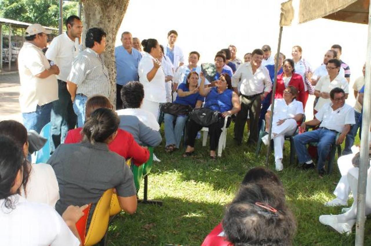Hospital de Ahuachapán sin dar consultas externas.
