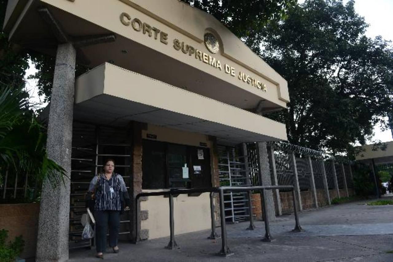 Frente del edificio de la Corte Suprema de Justicia, CSJ